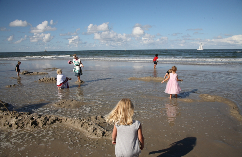 beeldgeschiedenis, kinderen in zee