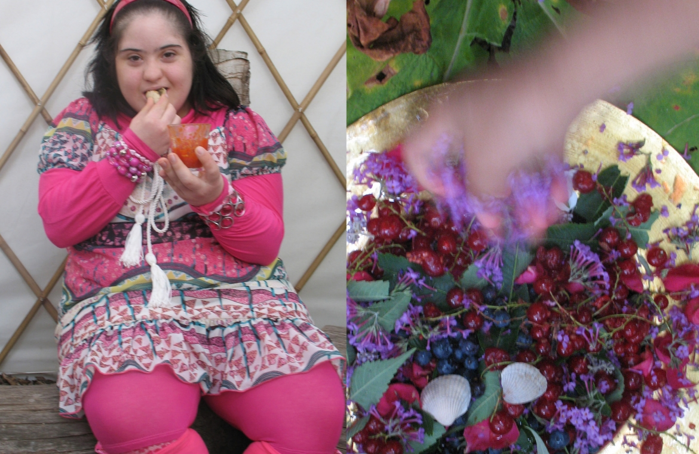sleutelmoment meisje in rose en aalbessen